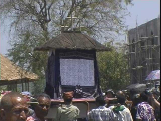 Monument being Carried